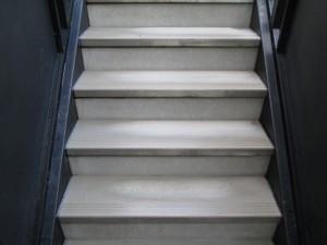大阪定期清掃 階段清掃03