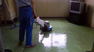 大阪 ビル定期清掃 床表面洗浄 02