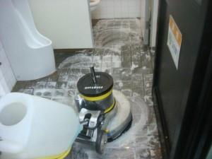 大阪 トイレ清掃 定期清掃 尿石除去01