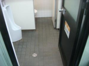 大阪 トイレ清掃 定期清掃 尿石除去02