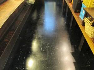 大阪 飲食店舗清掃 床清掃 焼き鳥屋清掃後02