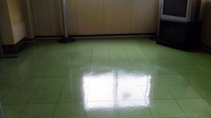 大阪 ビル定期清掃 床表面洗浄 03
