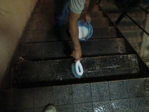 居酒屋 階段の汚れを清掃 大阪04