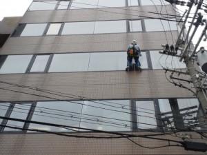 大阪 定期清掃 オフィスビル窓洗浄