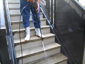 大阪定期清掃 階段清掃02