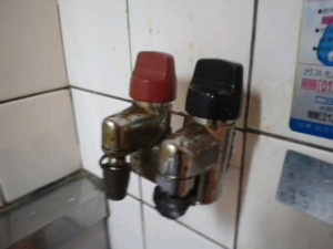 兵庫県西宮市 ハウスクリーニング ガス元栓清掃01