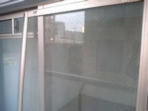 大阪 ハウスクリーニング 網戸洗浄01