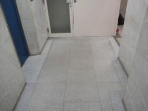 大阪 定期清掃 オフィスビル 床清掃01