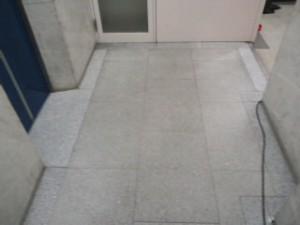 大阪 定期清掃 オフィスビル 床清掃03