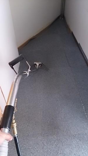 タイルカーペット洗浄 大阪 オフィス清掃03