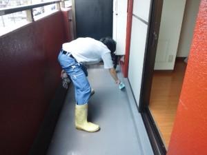 大阪 ハウスクリーニング マンション ベランダ清掃