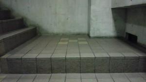 大阪市内 定期清掃 階段 床清掃01