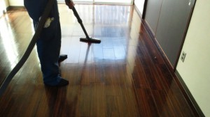 西ノ宮 ハウスクリーニング フローリング清掃ワックス02