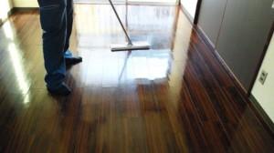 西ノ宮 ハウスクリーニング フローリング清掃ワックス03