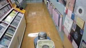 京都市内 店内床洗浄とワックス02