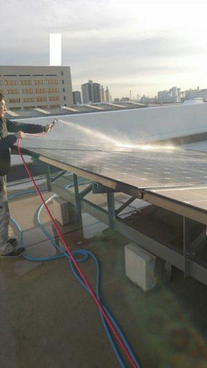 太陽光パネル 洗浄
