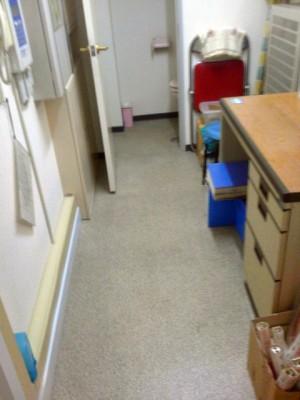 大阪 高槻 定期清掃 床 剥離洗浄 作業前