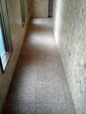 大阪市北区扇町 御影石の床清掃 定期清掃前
