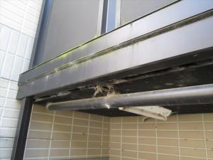 大阪 日常清掃 クモの巣の除去01