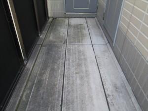 大阪 定期清掃 マンション廊下 高圧洗浄前